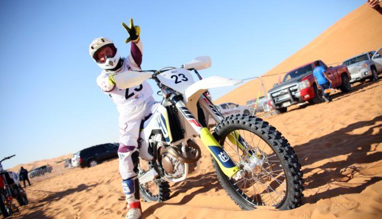 مهرجان الشارقة الرياضية الصحراوي-01