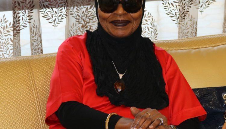 سيدة أمريكية تجد في الإمارات علاجاً لمرضها العضال