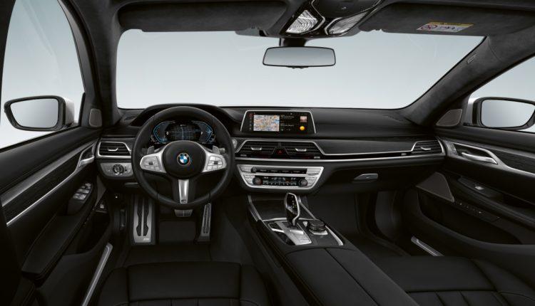 محرك طولاني سداسي الأسطوانات -BMW- المقصورة