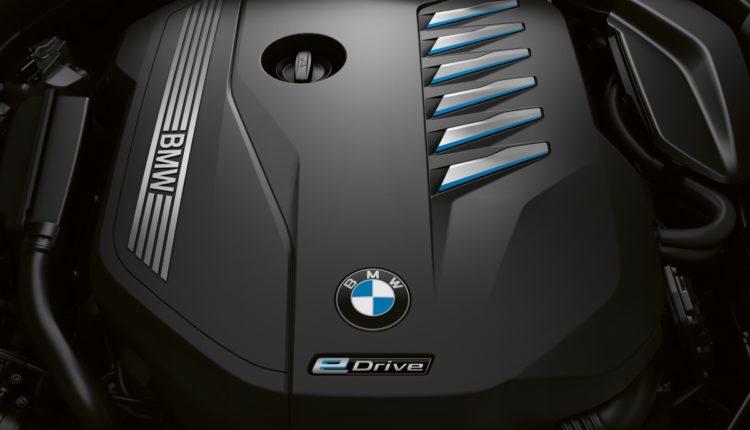 محرك طولاني سداسي الأسطوانات -BMW-محرك