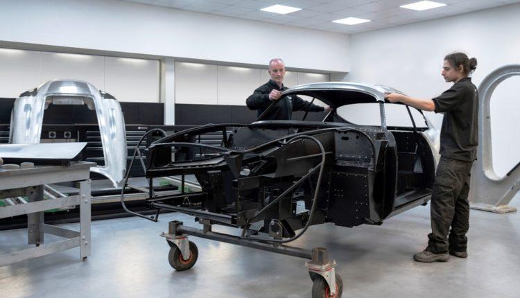 أستون مارتن تواصل العمل على سيارة دي بي 4 جي تي زاغاتو الجديدة تزامناً مع اليوبيل المئوي لانطلاق دار زاغاتو الشهيرة