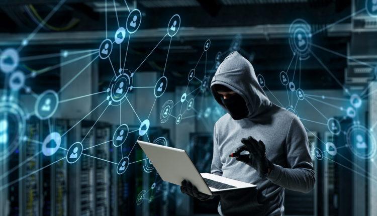 خبراء يحذرون من هجمات إلكترونية متصاعدة خلال موسم العطلات
